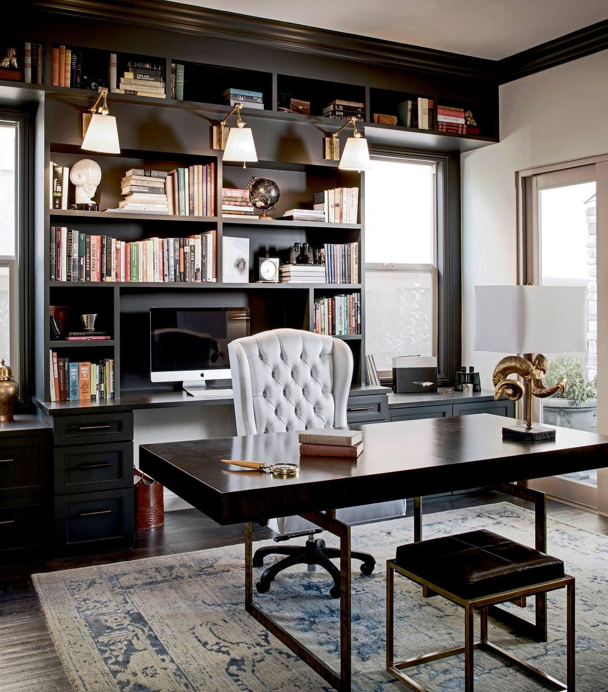 A home office you will never want to leave!