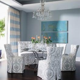 Elegant, feminine dining room in blue