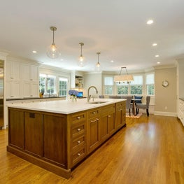Transitional Kitchen / Great Room - Munsey Park, NY