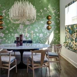 Bold and Sunny Dining Room in Florida