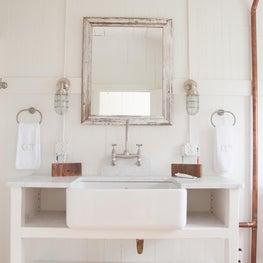 Hemingway - Bathroom Detail