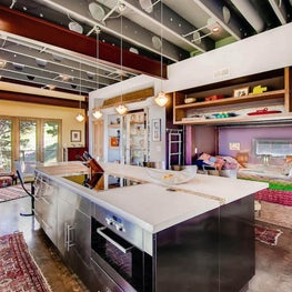 Boulder, Colorado Foothills Retreat - Kitchen with relaxing day bed