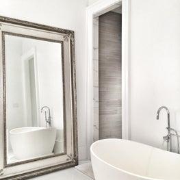 Bathroom / Contemporary bathroom in traditional renovation