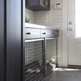 Mudroom With Built-In Dog Cage / Dog Bed