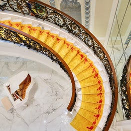 Deco Mansion, staircase