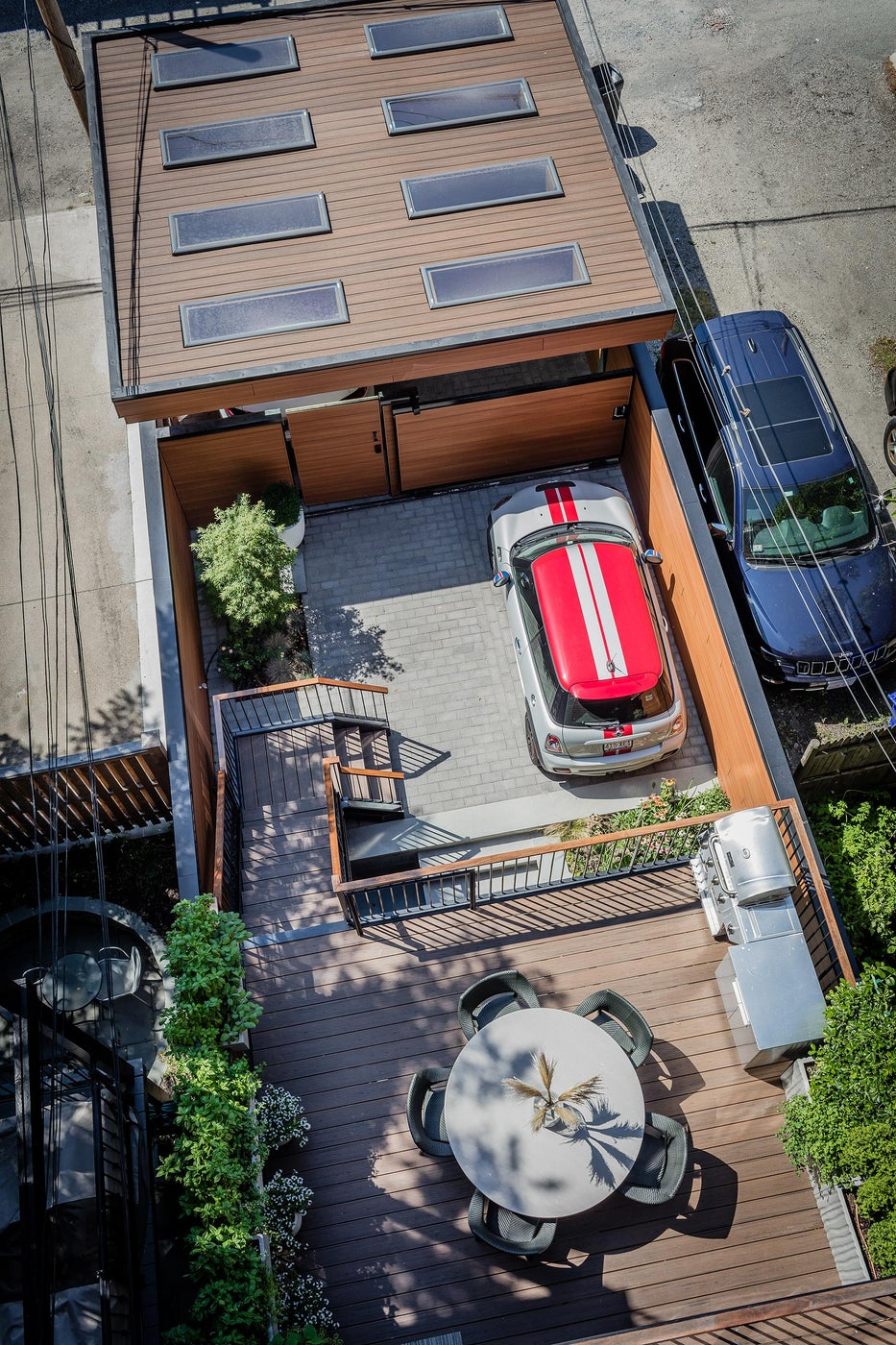 SOUTH END CONTEMPORARY - carport and outdoor space