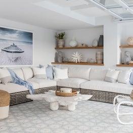 Beach House - Indoor Cabana Space