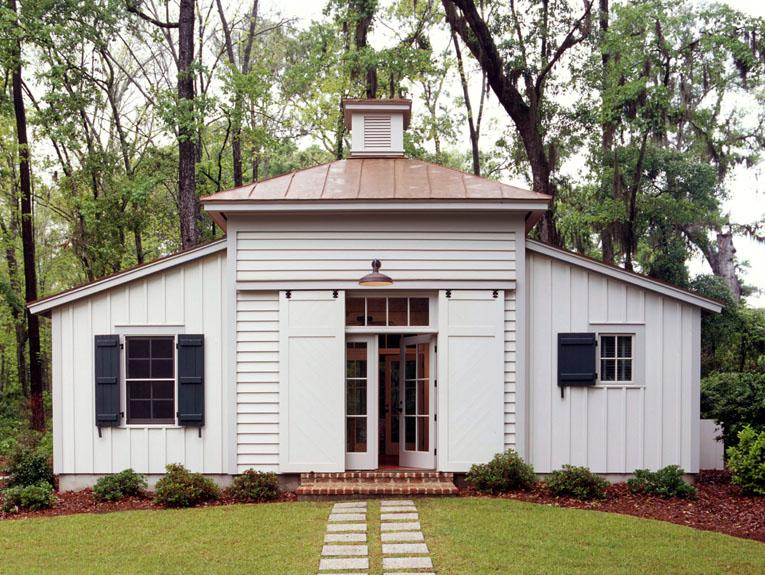 TOBACCO BARN GUEST HOUSE | Spring Island