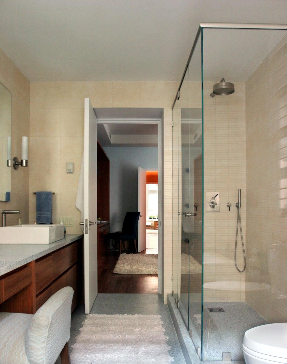 Gleicher Eco-Friendly Townhouse Master Bathroom Shower