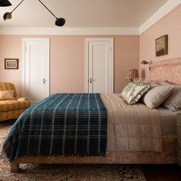 N28 Tudor master bedroom
