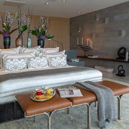 Contemporary Oceanfront Miami Home : Zen Vibes