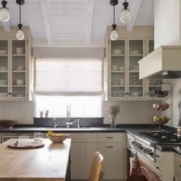 Canyon House Kitchen, Island and Pendants