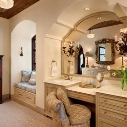 Antique treasures and luxurious materials in the Spanish style dressing room