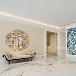 Deco Mansion, foyer