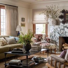 N28 Tudor living room