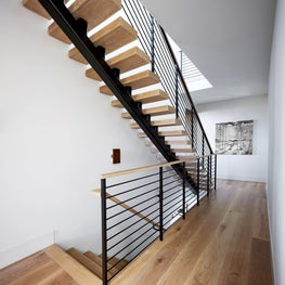Hilltop Dream | Hallway
