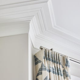 Crown molding finish