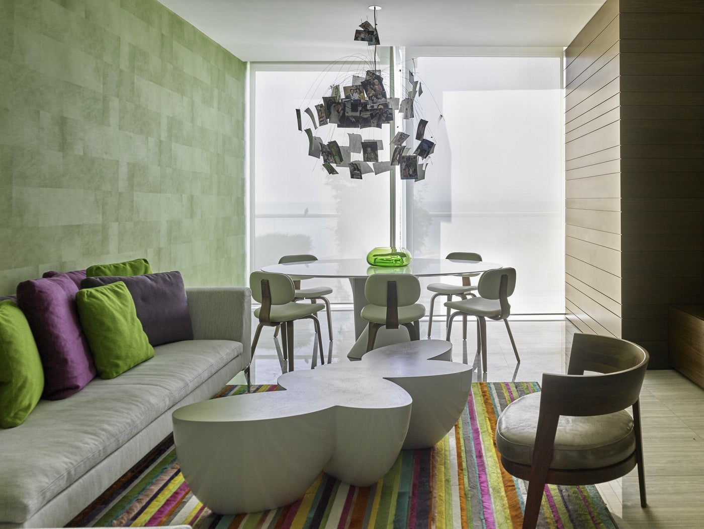 Art Collector's apartment Panama / Family room