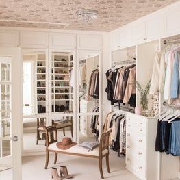 Alta Vista Master Closet