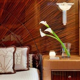 Retreat - Motor Yacht 360