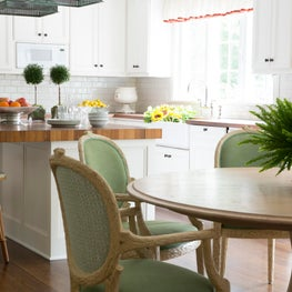 A Bright, Airy Dining Room