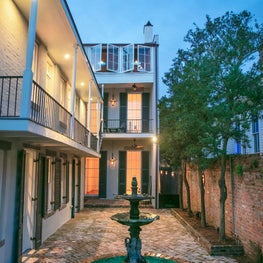 French Quarter / Courtyard with solar heating