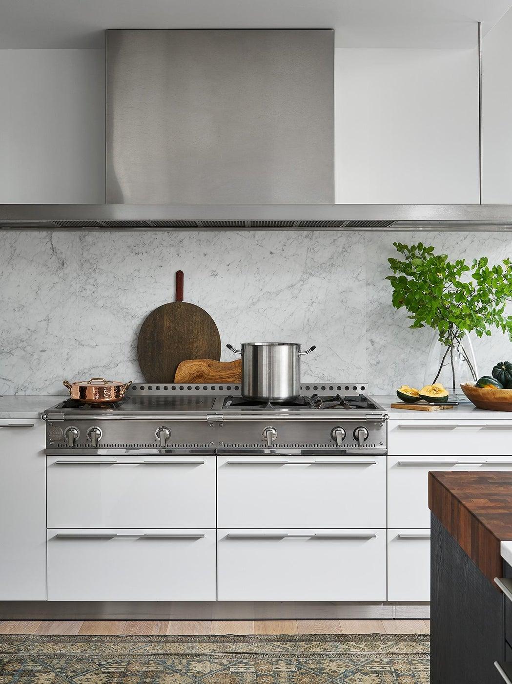 Modern lake house - Kitchen