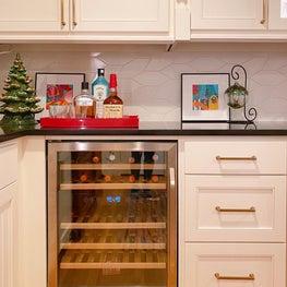 Butler pantry home bar