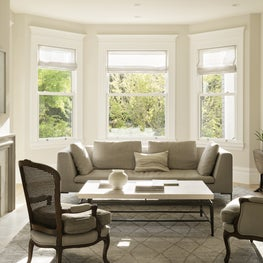 Living room with a mix of traditional Edwardian details & contemporary style