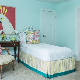 Five Points Girl's Room