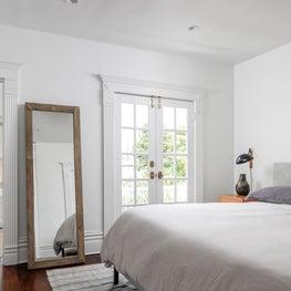 A Simple Mid-Century Modern Bedroom