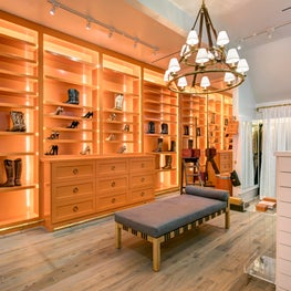 Memorial Houston, Hermes Inspired Master Closet