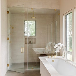 Country Club Drive Master Bathroom