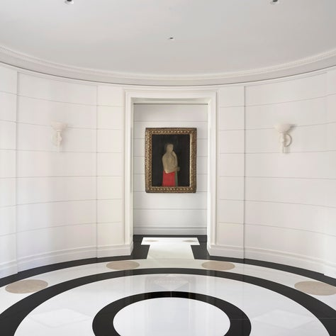 A Dramatic Marble Rotunda Gallery