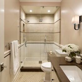 Easton Tudor | Guest Bathroom