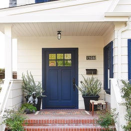 Transitional craftsman front porch