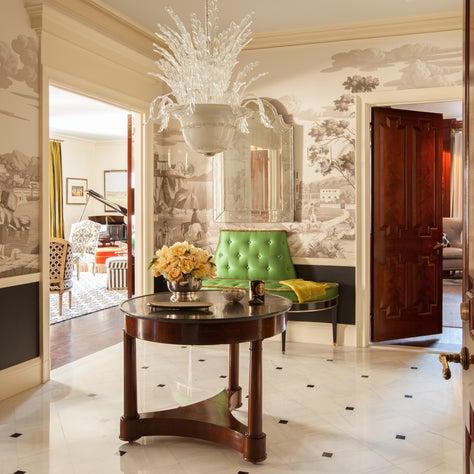 New York Apartment:  Entry