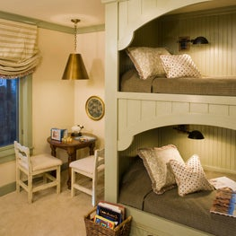 Traditional Mountain home in Mammoth, Girls bunk room