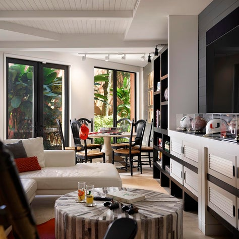 Casual play room / family room