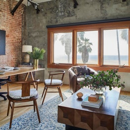 Executive's Beach Front Office in Venice California