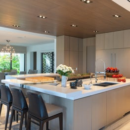 Contemporary Oceanfront Miami Home : Endless Seating in this Open Kitchen Design