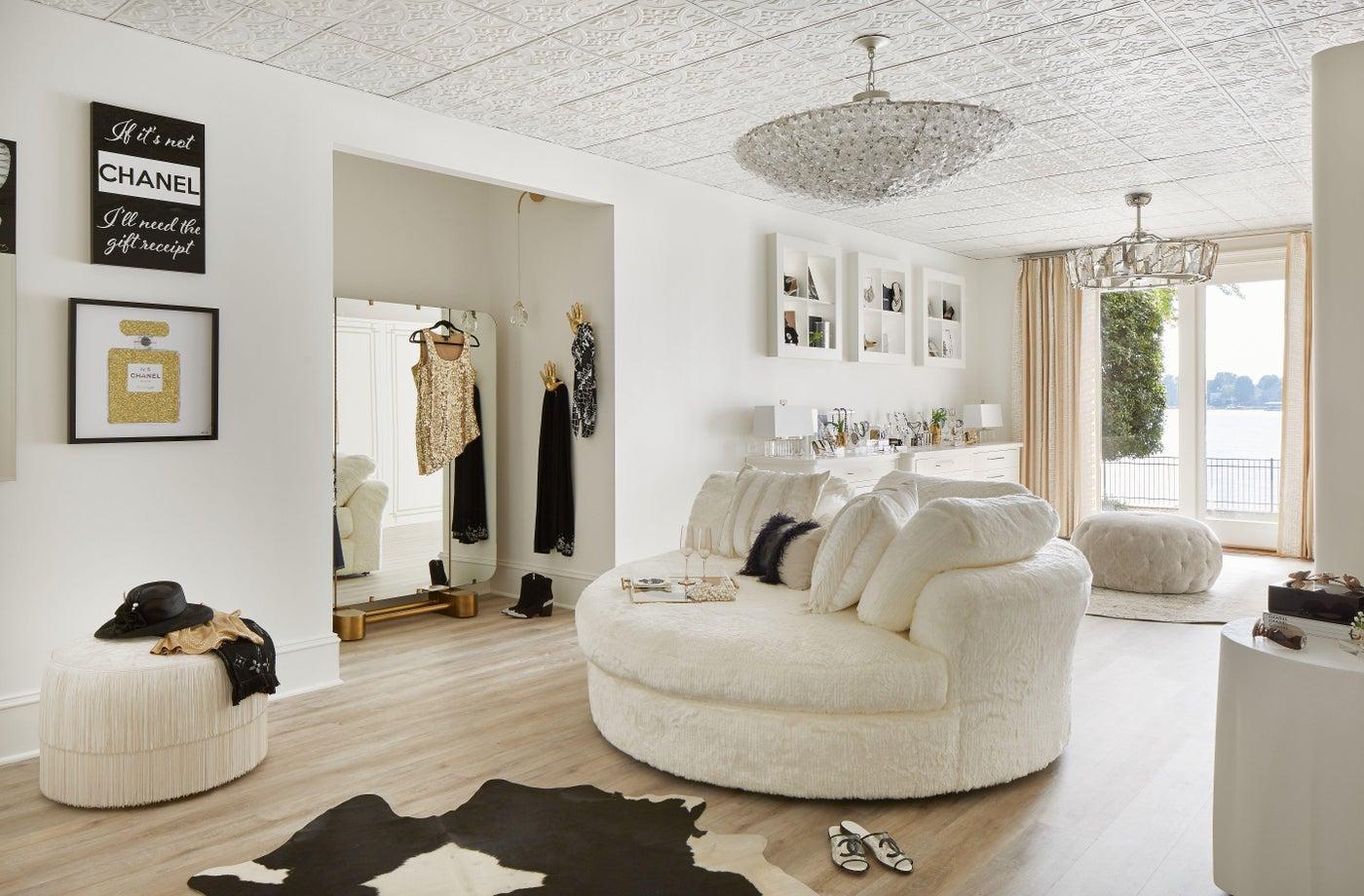 Glam Dressing Room