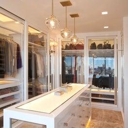 Uppereastside Collector's Dressing Room