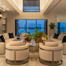 Contemporary Oceanfront Miami Home : Neutrals that Pop!