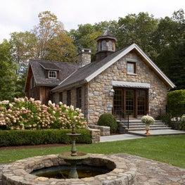 Modern/Rustic Barn Side Yard with Fountain