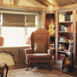 Carmel Highlands Residence, Musicians Den