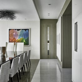Art Collector's apartment Panama / Dining room