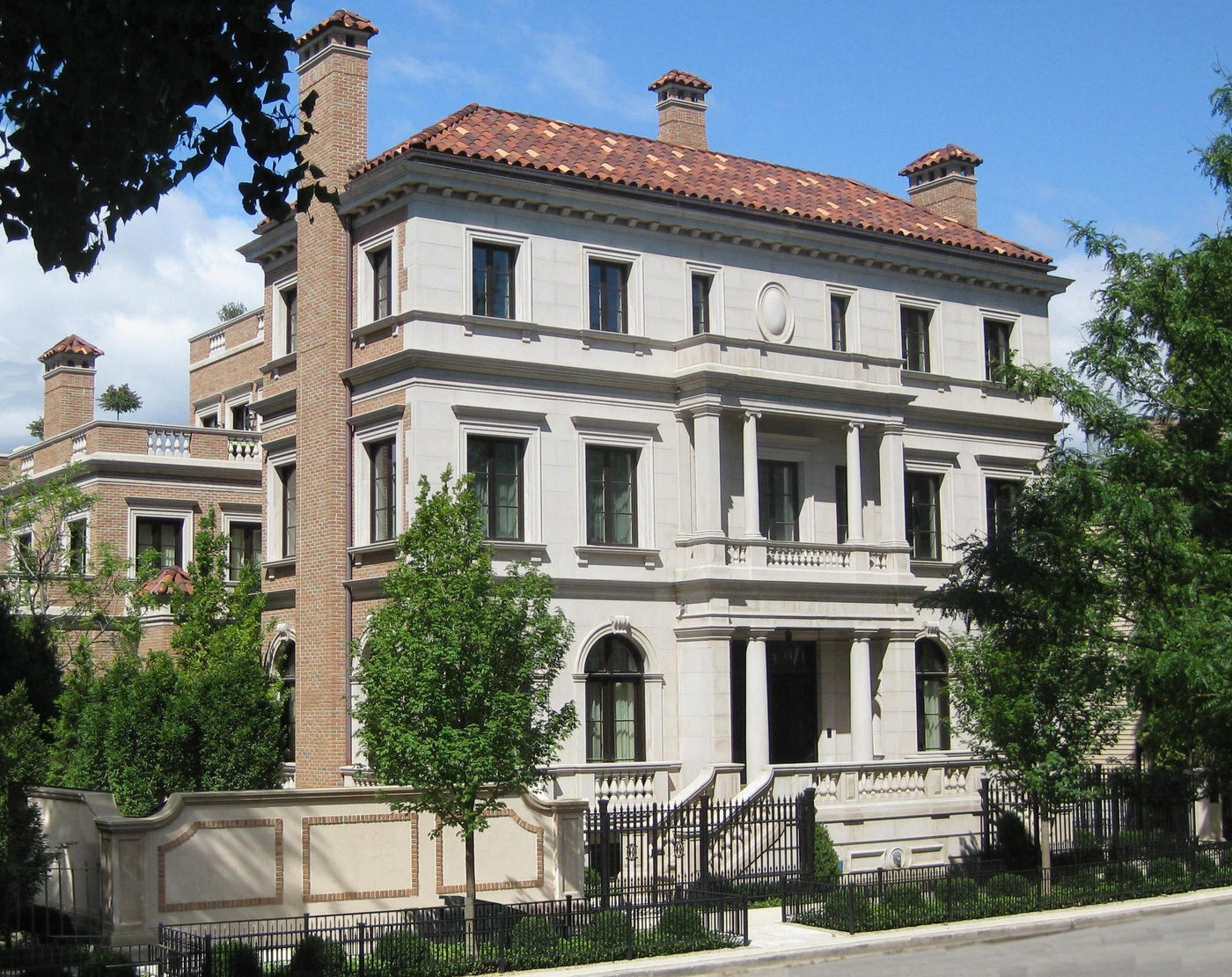 Front Facade in Lincoln Park