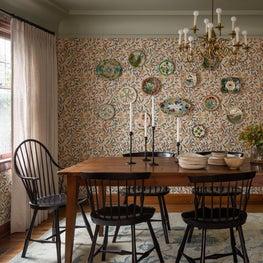 N28 Tudor dining room