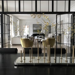 Glass Intersection for Living, Dining